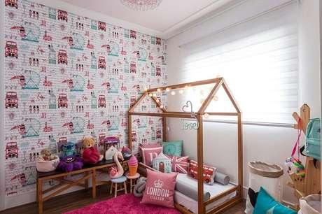 13. Algumas almofadas decorativas para quarto infantil são com temática de Londres. Fonte: KZ Arquitetura e Interiores