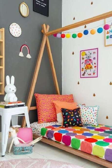 46. Invista em modelos bem coloridos e divertidos de de almofada infantil. Fonte: MOOUI