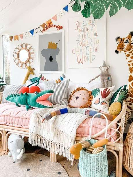 1. Decore o quarto das crianças com diferentes modelos de almofada infantil. Fonte: Pinterest