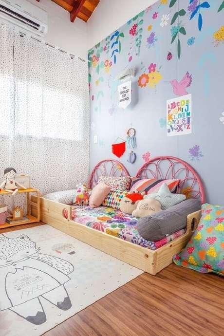 33. As almofadas para quarto infantil trazem ainda mais alegria para o cômodo. Fonte: Revista Viva Decora 2