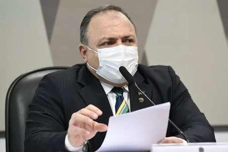 Ex-ministro da saúde Eduardo Pazuello passou mal durante intervalo da sessão da CPI da Covid