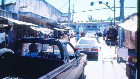 A proximidade da região a uma linha férrea também incentivou as primeiras ocupações na favela do Jacarezinho