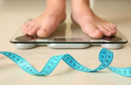 Uma pessoa obesa corre maior riscos em desenvolver hipertensão, doenças cardiovasculares, diabetes tipo 2