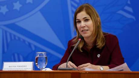 """Mayra Pinheiro usou informações falsas para promover o """"tratamento precoce"""""""