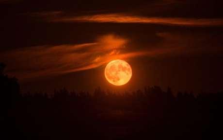 Lua de sangue - Shutterstock