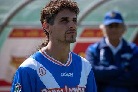 Andrea Arcangeli caracterizado come Roberto Baggio
