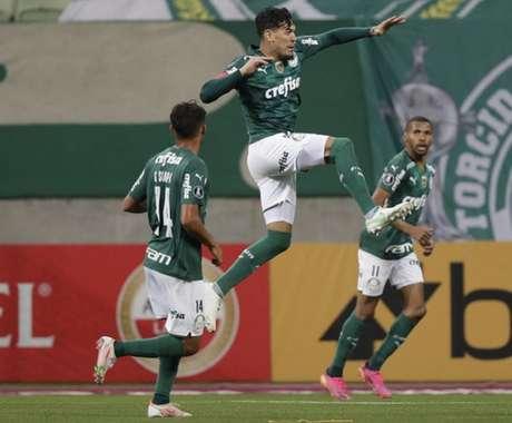 Gustavo Gómez marcou o terceiro gol do Verdão na goleada (Andre Penner / POOL / AFP)