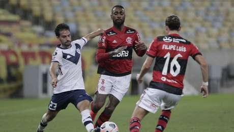 Flamengo não saiu do zero contra o Vélez no Maracanã (ANTONIO LACERDA / POOL / AFP)
