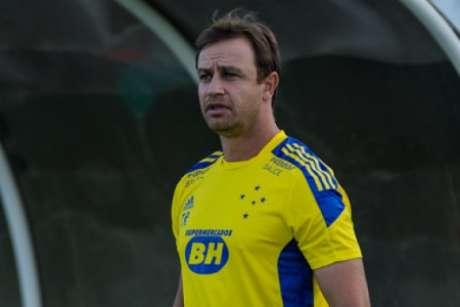 Felipe Conceição questionou muito a arbitragem em Aracaju e aliviou as cobranças aos jogadores do Cruzeiro-(Gustavo Aleixo/Cruzeiro)