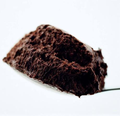 Mousse pode ser servido com shortbread e iogurte ou coalhada. Reprodução / Facebook