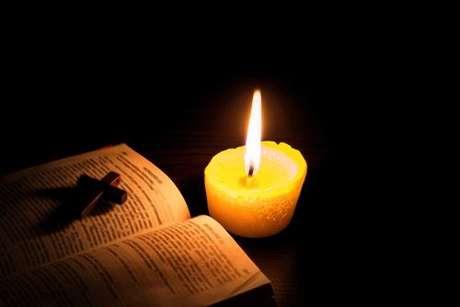Confira 7 salmos para combater as energias negativas -