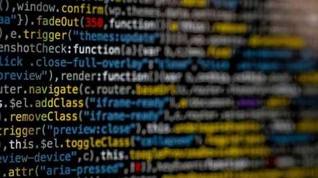 Ataque DDoS sobrecarrega o sistema com informações