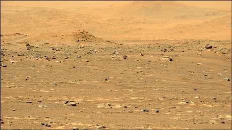 """Esta imagem foi tirada com a câmera Mastcam-Z esquerda e foi selecionada por votação pública para ser apresentada como """"Imagem da Semana"""" para a Semana 6 da missão do rover."""