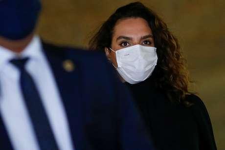 Luana Araújo chega ao Congresso para depor na CPI da Covid