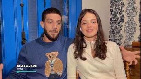Durante a entrevista, o casal recordou o início do relacionamento.