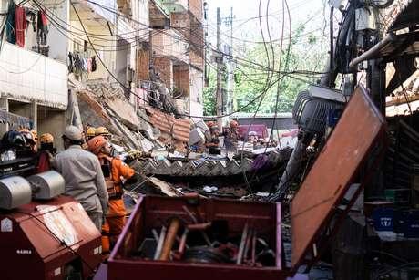 Prédio desmorona na manhã desta quinta-feira (03) no bairro do Rio das Pedras, localizado na zona oeste da cidade do Rio de Janeiro