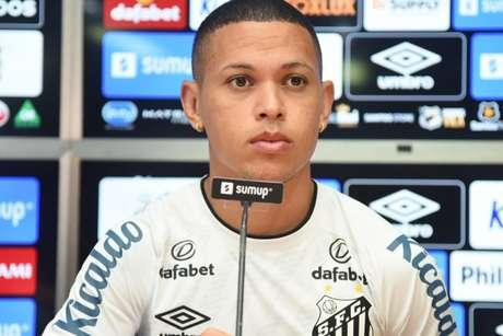 Marcos Guilherme foi contratado junto ao Internacional (FOTO: Ivan Storti/Santos FC)