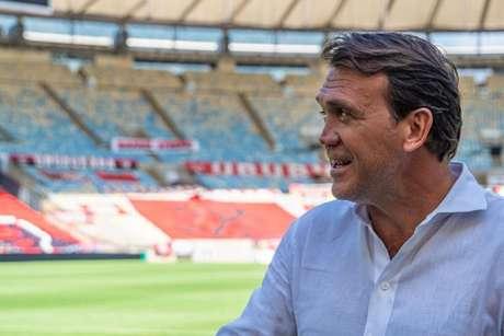 Petkovic pendurou as chuteiras em junho de 2011 (Foto: Divulgação/MF Press Global)