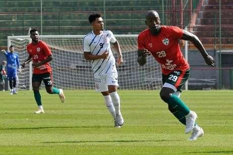 Jogador chegou como reforço da Lusa para a temporada (Dorival Rosa/Portuguesa)