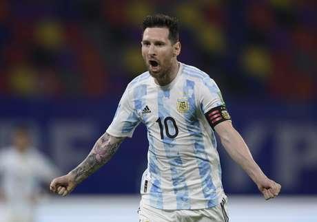Messi abriu o placar no jogo contra o Chile