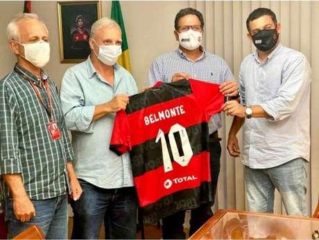 Dirigentes dos clubes posam para foto (Foto: Divulgação/Flamengo)