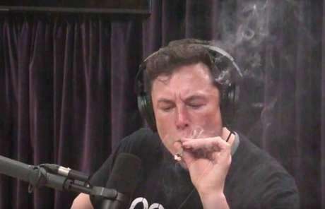 Elon Musk não pode falar sobre determinados assuntos no Twitter