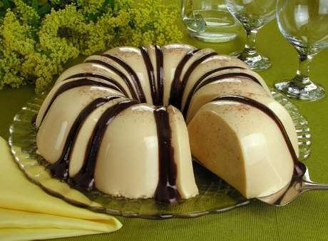 Guia da Cozinha - Gelatina de paçoca com ganache de chocolate