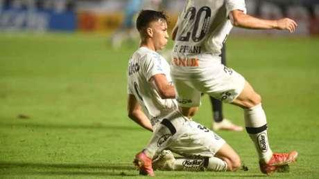 Kaio Jorge marcou o terceiro gol na vitória deste sábado, na Vila Belmiro (Foto: Divulgação/Santos)