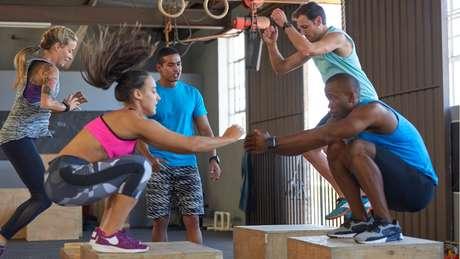 O Crossfit favorece o emagrecimento, garante maior flexibilidade, além de tonificar os músculos