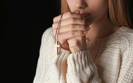 Deixe o seu relacionamento mais harmonioso com esses salmos e simpatias - Shutterstock