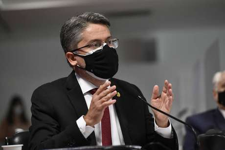 Senador Alessandro Vieira (Cidadania-SE) durante sessão da CPI da Covid