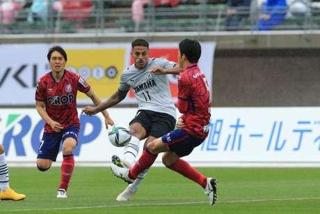 Lukian busca artilharia na J-League 2 (Foto: Divulgação / Jubilo Iwata)