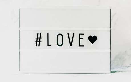 Lives especiais sobre Amor com especialistas, astrólogos e terapeutas -