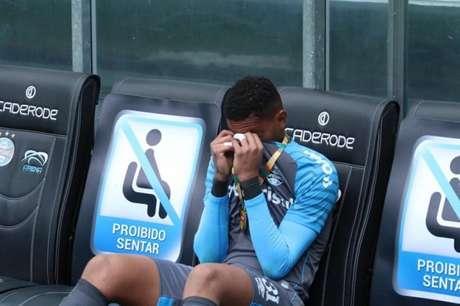 Jogador de 20 anos ficou bastante emocionado com a conquista (Lucas Bubols/Divulgação/Grêmio)