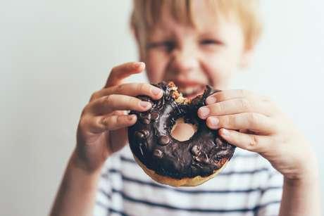 As taxas de sobrepeso e obesidade em crianças e adolescentes em todo o mundo aumentaram