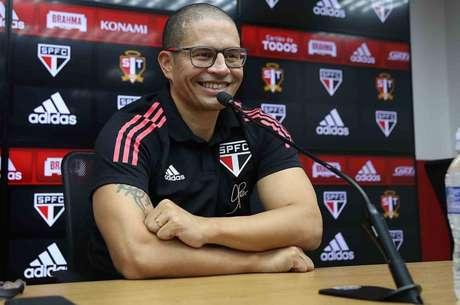 Alex está liberado para comandar oficialmente o sub-20 do São Paulo (Foto: Divulgação/São Paulo)
