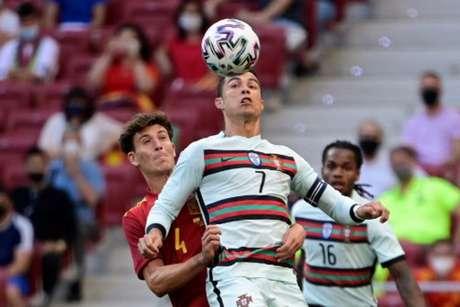Espanha empatou com Portugal sem gols na última sexta-feira (Foto: JAVIER SORIANO / AFP)