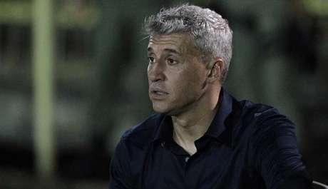 Crespo voltará ao comando do São Paulo nesta terça-feira (Foto: Rubens Chiri/São Paulo)