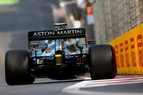 Vettel foi ousado para ganhar as posições de Leclerc e Gasly.