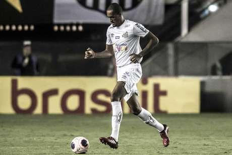 Luiz Felipe atravessa bom momento no Santos (Foto: Ivan Storti/Santos)