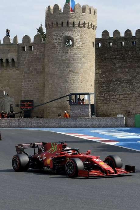 Pole-position, Charles Leclerc viu a Ferrari sofreu com ritmo de corrida e terminou o GP do Azerbaijão na quarta posição