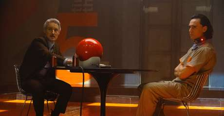 Tom Hiddleston  e Owen Wilson em 'Loki'