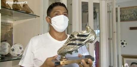 Jardel conseguiu recuperar seus prêmios após furto (Reprodução / Globo)