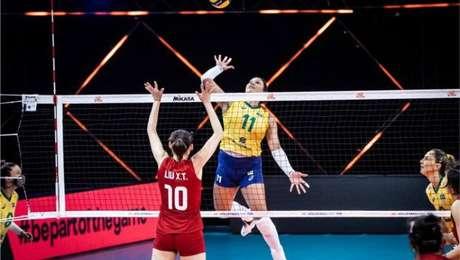 Seleção brasileira feminina é derrotada pela China na Liga das Nações.
