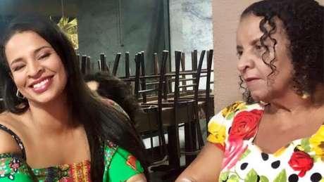 Filha caçula de Maria, Sandra diz estar indignada até hoje com declarações de Bolsonaro sobre a morte de sua mãe
