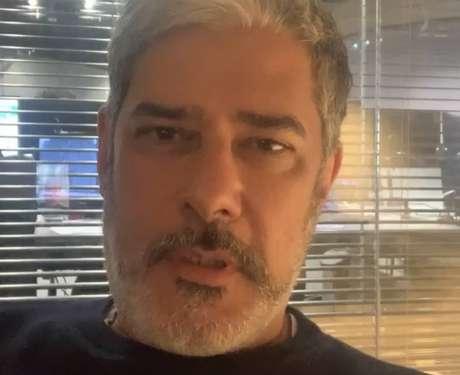 O apresentador e editor do 'Jornal Nacional', William Bonner, foi vacinado contra covid-19