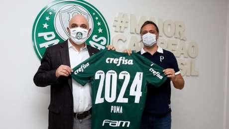 Foto oficial do anúncio da renovação entre Palmeiras e Puma (Foto: Divulgação/Palmeiras)