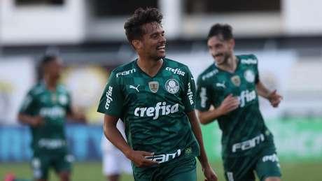 Gustavo Scarpa cresceu de produção na temporada 2021 (Foto: Cesar Greco/Ag. Palmeiras)