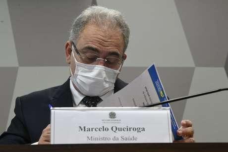 À mesa da CPI, ministro de Estado da Saúde, Marcelo Queiroga