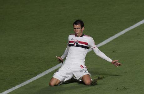Pablo marcou três gols na goleada sobre o 4 de Julho (Foto: Rubens Chiri/saopaulofc.net)